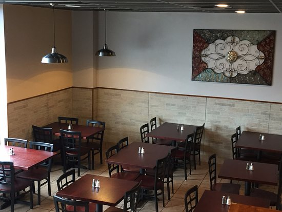Naperville, IL: JK Kabab Dining Area