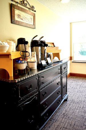 River Falls, WI: Complimentary coffee bar at breakfast
