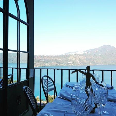 Vista lago foto di ristorante la gardenia castel for Ristorante la vista