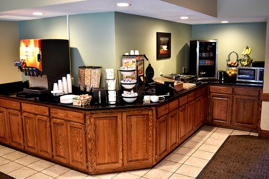 River Falls, WI: Complimentary hot breakfast