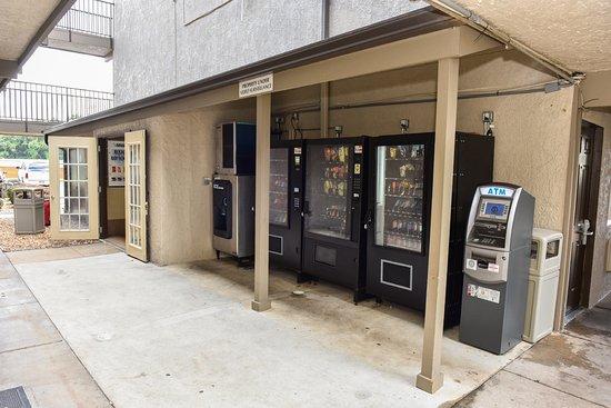 Tucker, GA: Vending/Guest Laundry