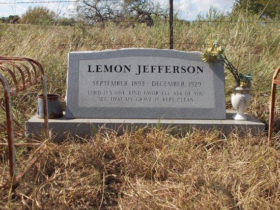 Blind Lemon Memorial Cemetery: Blind Lemon's Headstone