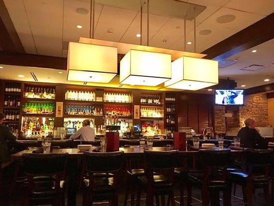 Tysons Corner, VA: Bar area of the restaurant