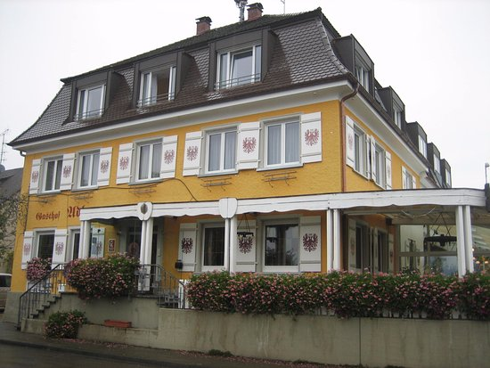 Nonnenhorn, Germany: My room was on the front which is a well travelled street, but there was no problem with noise.