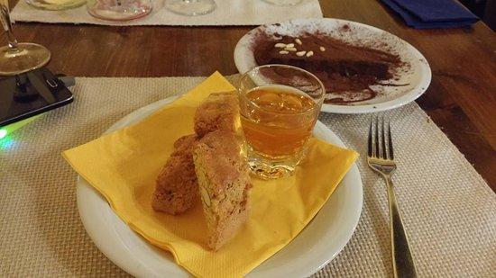 cantucci con vin santo - Picture of Trattoria La Gargotta, Bagno a ...
