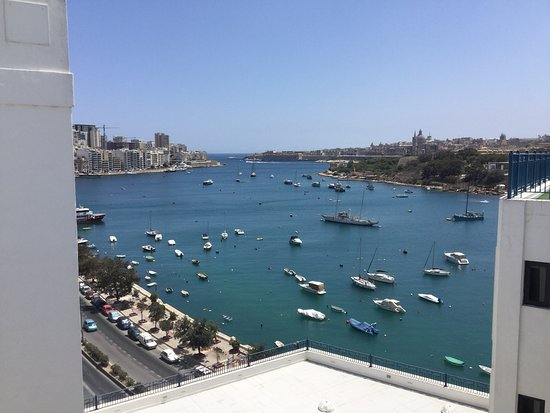 The Waterfront Hotel: View of Sliema from rooftop pool area