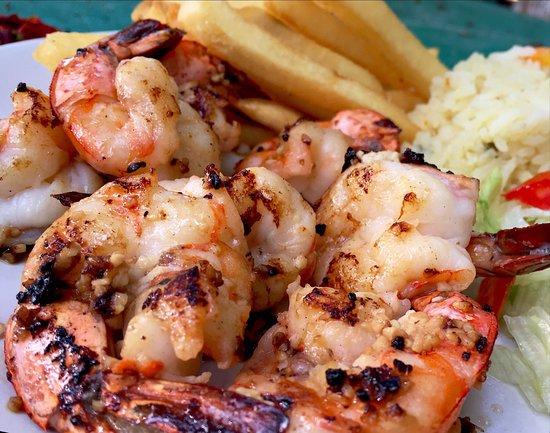 BURROS BAR & RESTAURANT: Garlic and breaded shrimp