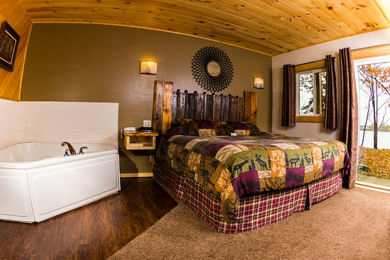 Rice Lake, WI : our Woodland Vista room 15