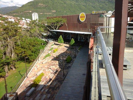 Centro Comercial El Puente