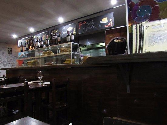 Tapa Tapa y Ole: Bar