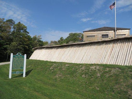 Fort Holmes : plaque