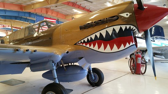 Santa Teresa, Nuevo Mexico: A very nice museum with quality exhibits. Well worth the price.  A Lockheed P-38 Lightning and a
