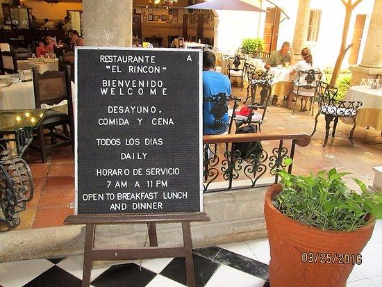 Caribe Hotel: Entrance to hotel restaurant