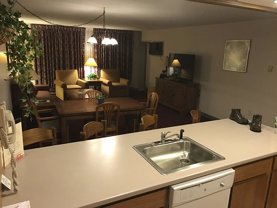 Fireside Inn & Suites at Lake Winnipesaukee: view from kitchen