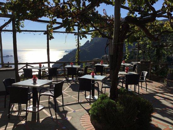 Montepertuso, Italia: Lovely veranda!!