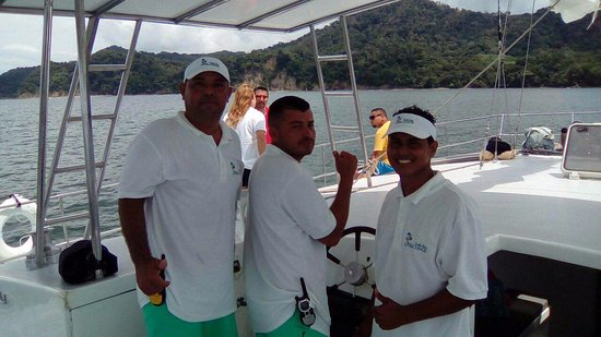 Herradura, Kosta Rika: The experienced crew on board