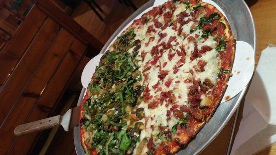 ปาลาไทน์, อิลลินอยส์: JJ Twigs Pizza & Pub