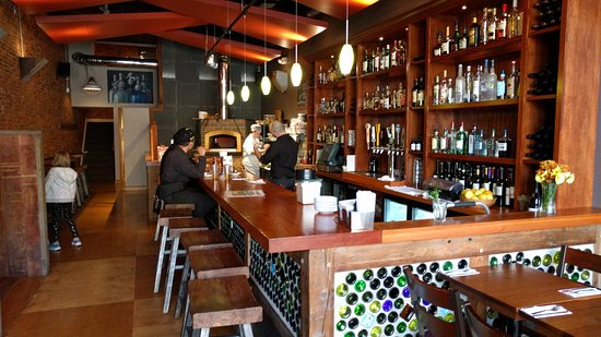 Wooster, OH: Rox Gastropub has a nice atmosphere to relax with a nice variety on the menu and at the bar