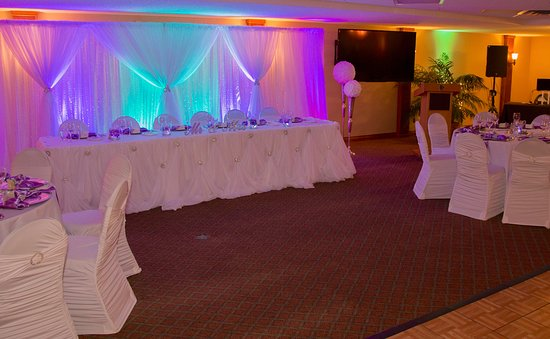 Okotoks, Canadá: The banquet room decorated and waiting for guests
