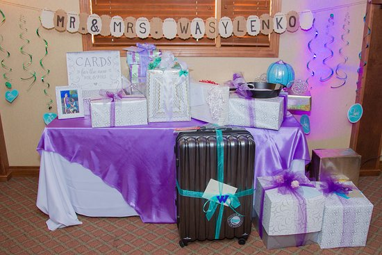 Okotoks, Canada: The gift table