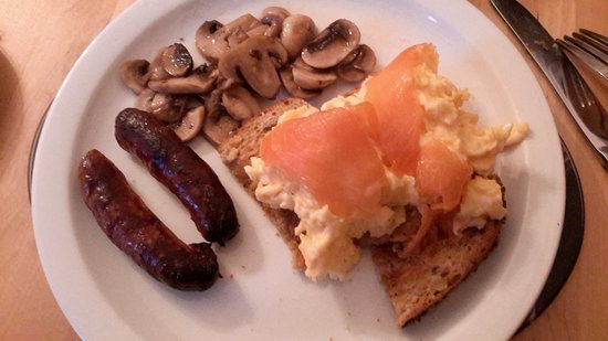 The Cartwheel Guest House: Breakfast