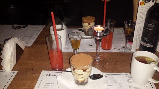 Miedzywodzie, Poland: Degustacja nalewki, deser tiramisu i drink tequila sunrise