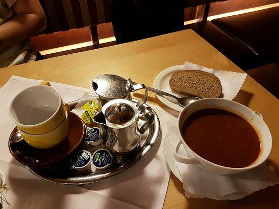 Bergrestaurant Kehlsteinhaus: Coffee, tea, goulash and bread