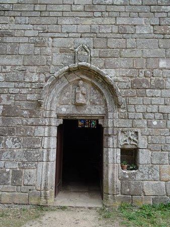 Plumelec, France: Entrée de la Chapelle Saint-Joseph