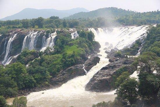 Shivasamudram Falls: Shivana Samudram Falls