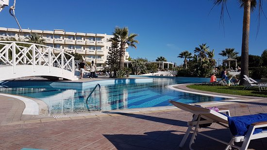 4 nights, all inclusive, couple in their 30s
