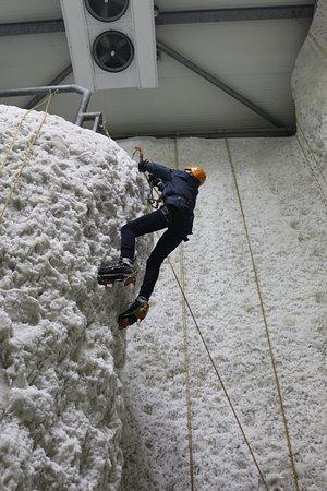 Kinlochleven, UK: Overhang