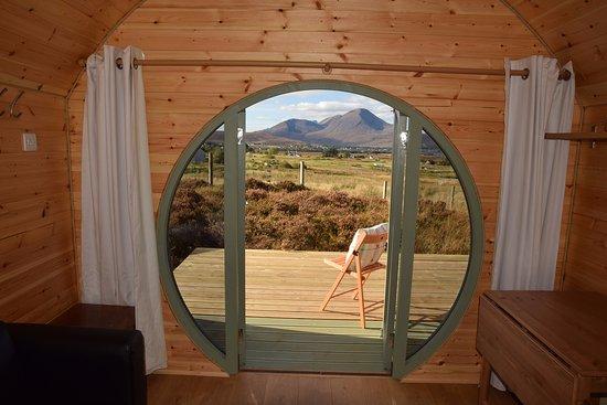 Breakish, UK: The view through the Round Door!