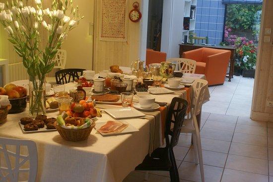 La Villa Argos : petit déjeuner à la table familiale