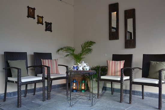 Private Sit Out Indian Roller Room Picture of Sarai Kothi