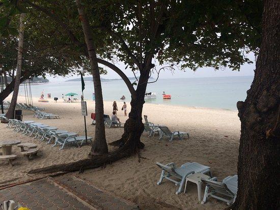 King's Garden Resort: 餐廳海邊景色