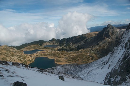 Rila Mountains: Heading for the top to see all seven lakes