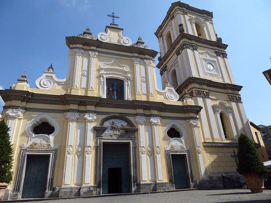 Villa Flavia: Chiesa dei Santi Prisco ed Agnello in Corso Italia