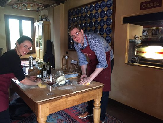 Paciano, Italy: guests enjoying our slow food cooking class