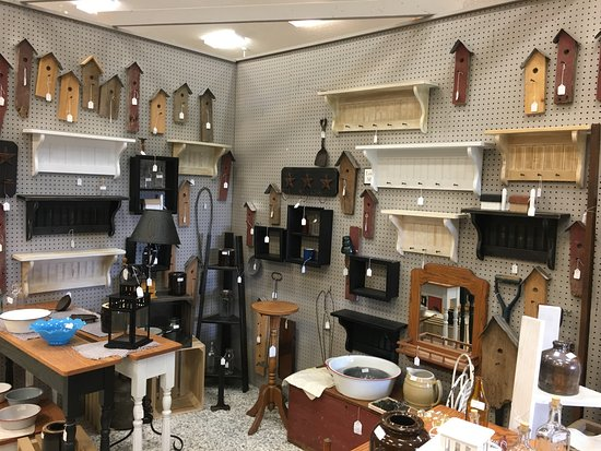 Berlin, OH: a woodworking booth