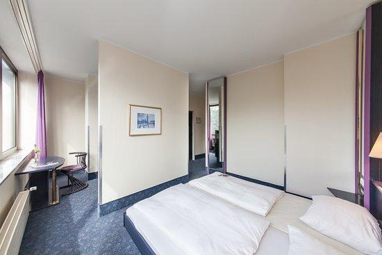 Neuss, Tyskland: Doppelzimmer