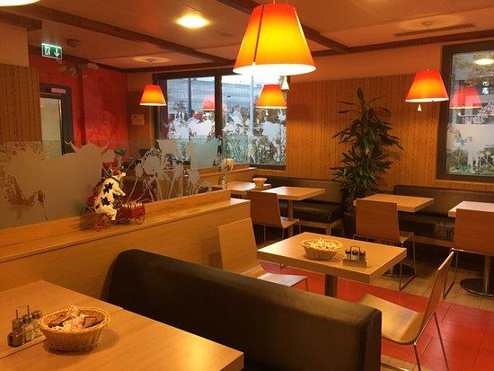 Lancy, İsviçre: Comedor