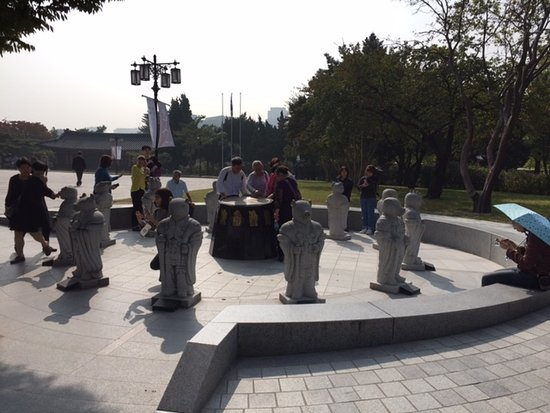 The National Folk Museum of Korea: 干支の石像