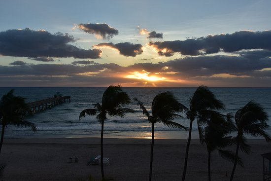 Wyndham Deerfield Beach Resort: Sunrise!