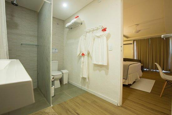 Dolphin Hotel: banheiro apartamento tipo varanda master.