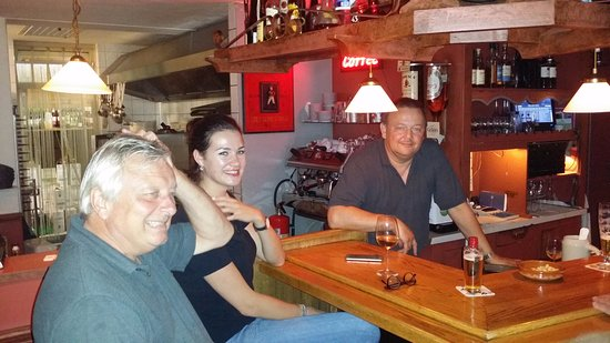 Broek in Waterland, The Netherlands: The guy at the back was very helpful and really funny and friendly. Customers friendly too