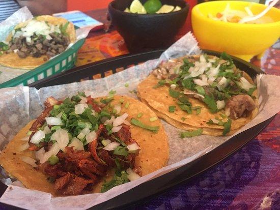 Photo of Restaurant Taqueria Los Barrilitos at 3518 W 25th St, Chicago, IL 60623, United States