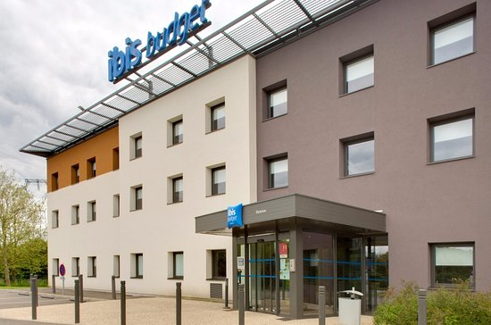 ibis budget montceau les mines hotel montceau les mines france voir les tarifs et 107 avis. Black Bedroom Furniture Sets. Home Design Ideas