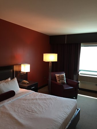 East Saint Louis, IL: King room
