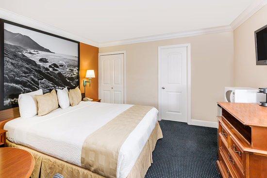 Super 8 Monterey / Carmel: 1 KING BED
