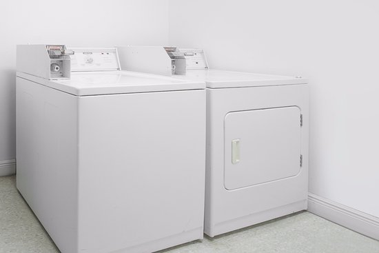 Days Inn Lake Village: Self Laundry Facilities